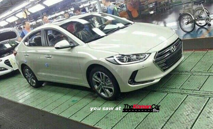2017-hyundai-elantra-spotted-inside-the-