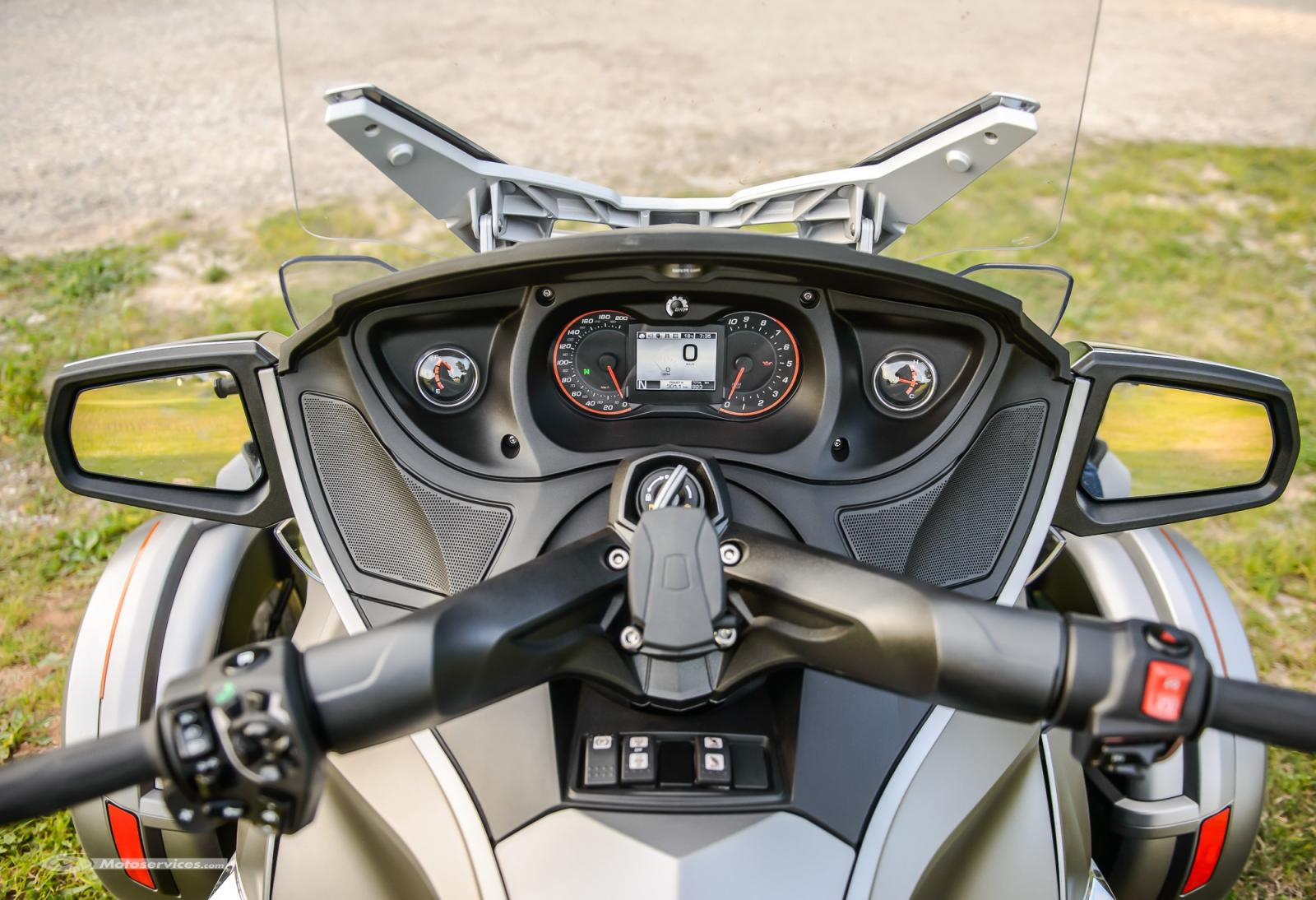 Can-Am-spyder-RT-limited-2014-13.jpg