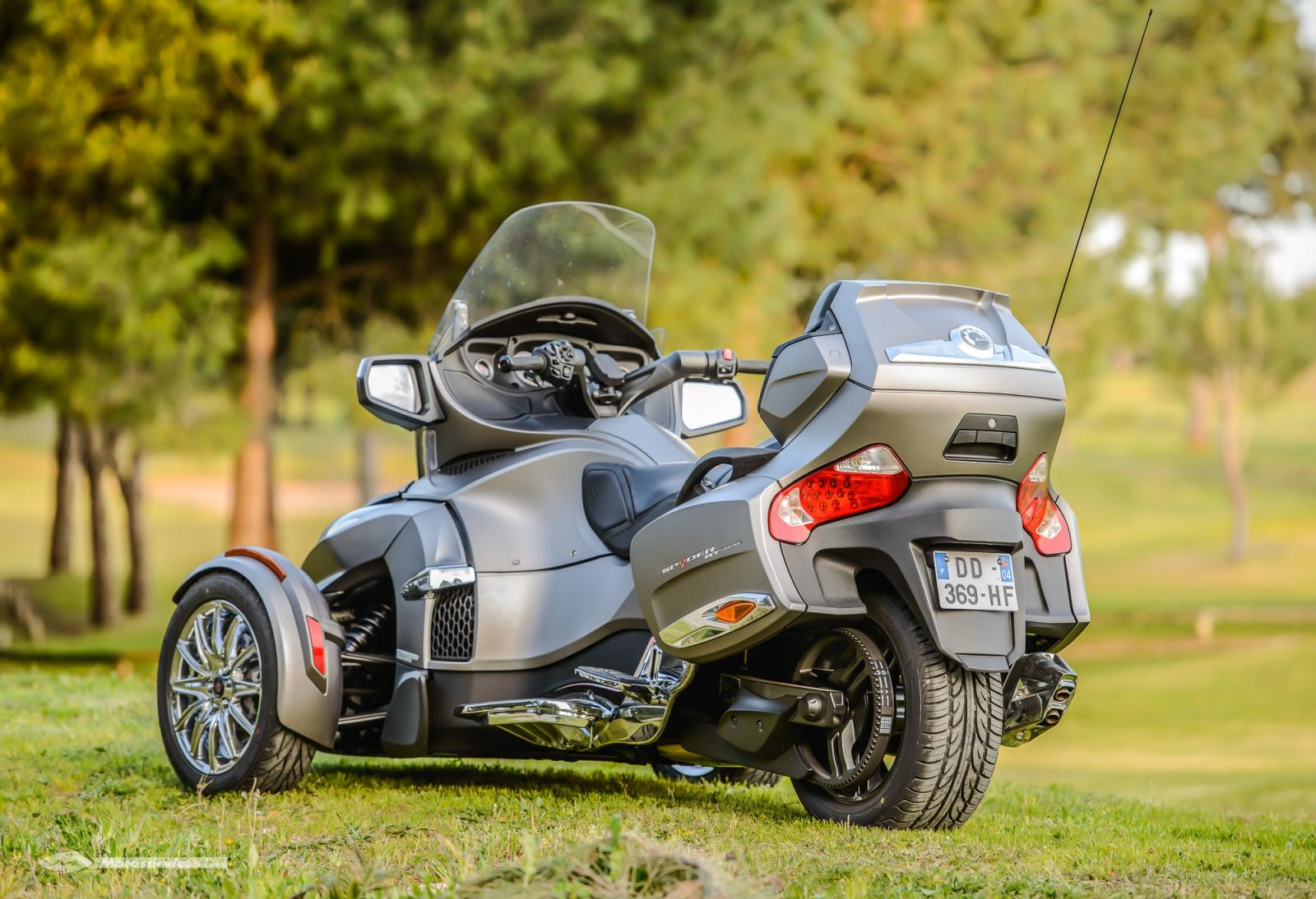 Can-Am-spyder-RT-limited-2014-7.jpg