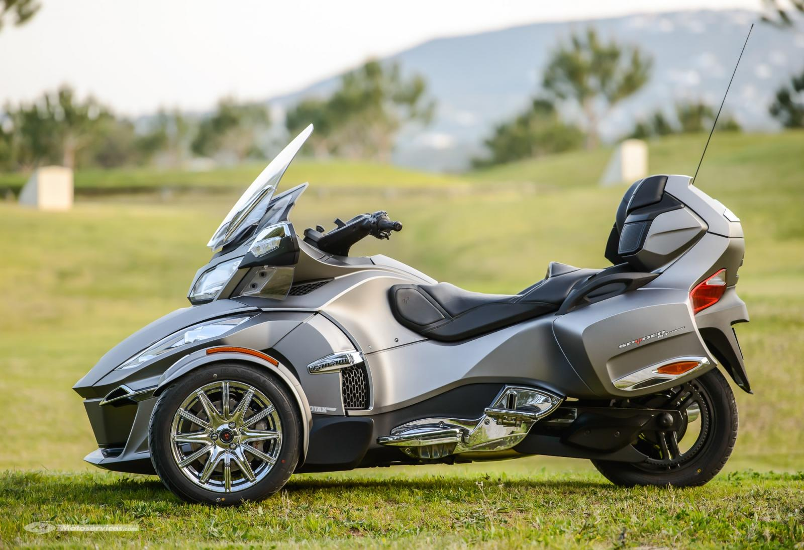 Can-Am-spyder-RT-limited-2014-8.jpg