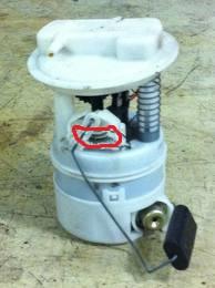 pompe-a-essence-clio.jpg