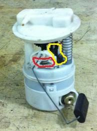 pompe-a-essence-clio.jpg.8bb4964962a6067bd0debcb6cae598dc.jpg