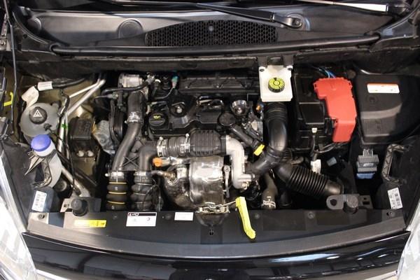 3U0243NM-4-berlingo-confort-hdi-92-noir-12.jpg