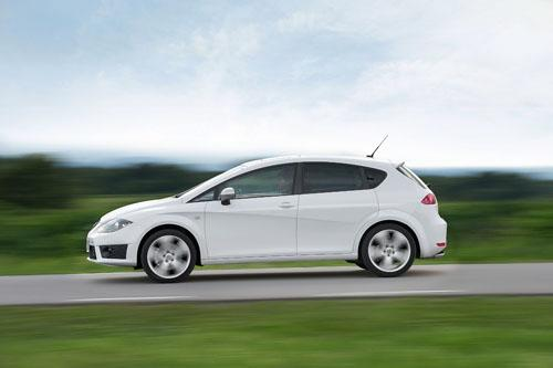 2012-SEAT-Leon-FR-003.thumb.jpg.d8c06dfa