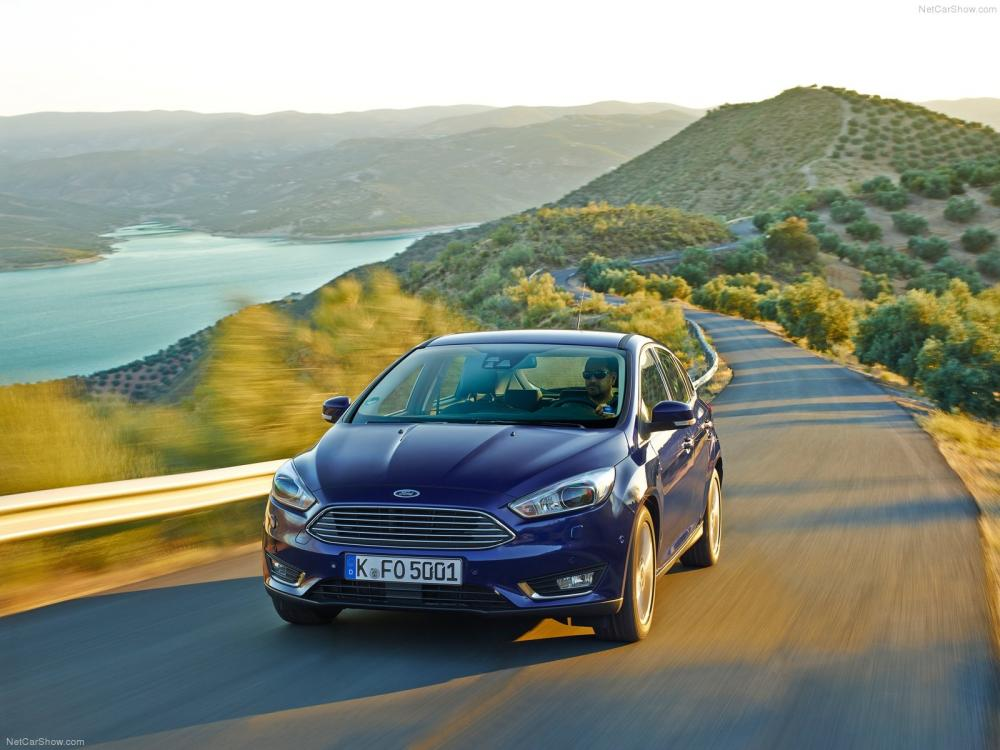 Ford-Focus_2015_1600x1200_wallpaper_0d.jpg