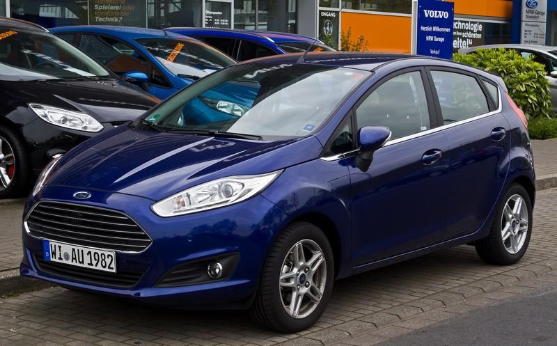 Ford_Fiesta_1.0_EcoBoost_Titanium_(VII,_Facelift)_–_Frontansicht,_2._Mai_2015,_Düsseldorf.jpg