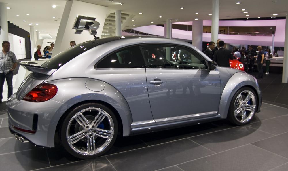 Volkswagen_Beetle_R_Concept_-_Flickr_-_David_Villarreal_Fernández_(2).jpg